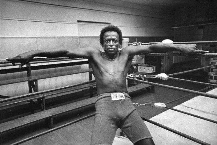 Miles Davis i bokseringen. Copyright Jim Marshall